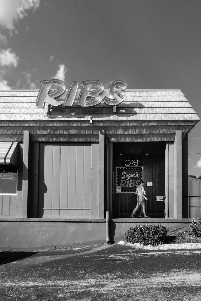 People leaving Sugar's Ribs in Chattanooga, Tennessee.