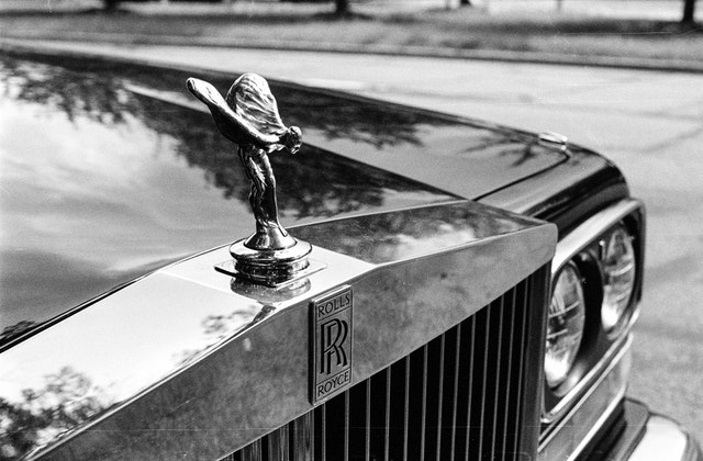 Detail of the ornament of a Rolls Royce.