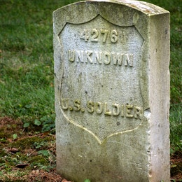 Tomb of an unknown U.S. soldier at Antietam National Cemetery.