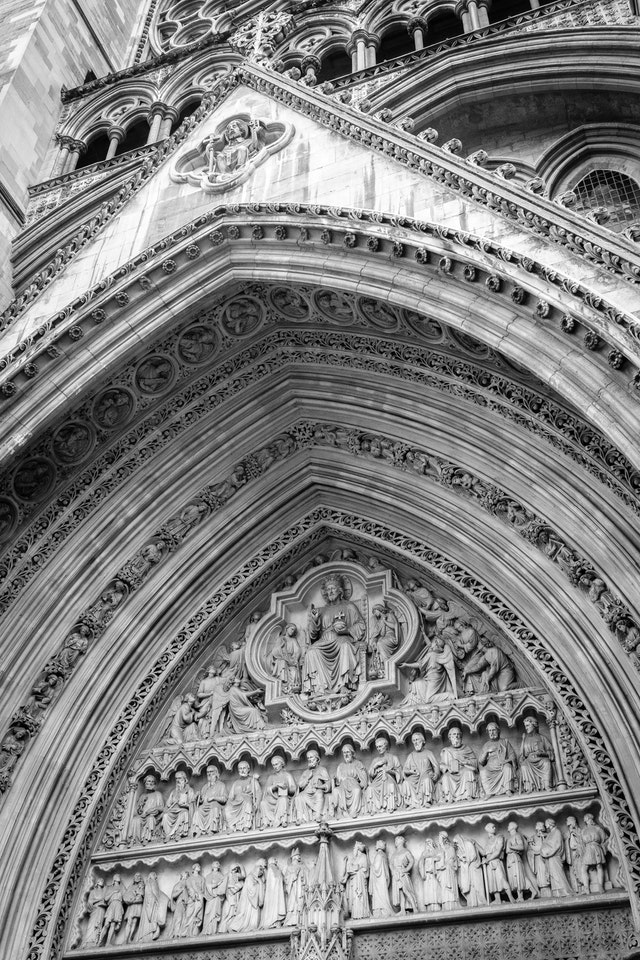 Detail of the façade of Westminster Abbey.