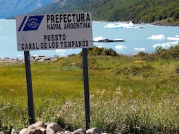 A sign from the Argentinian Navy at the Bay of Icebergs in Lago Argentino.