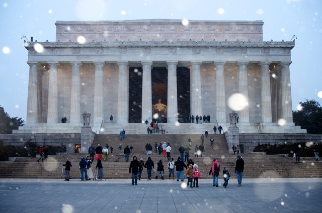 The Lincoln Memorial on a snowy February afternoon.