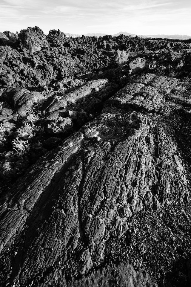 Pahoehoe and ʻaʻa lava along the trail in the Cave Area of Craters of the Moon.