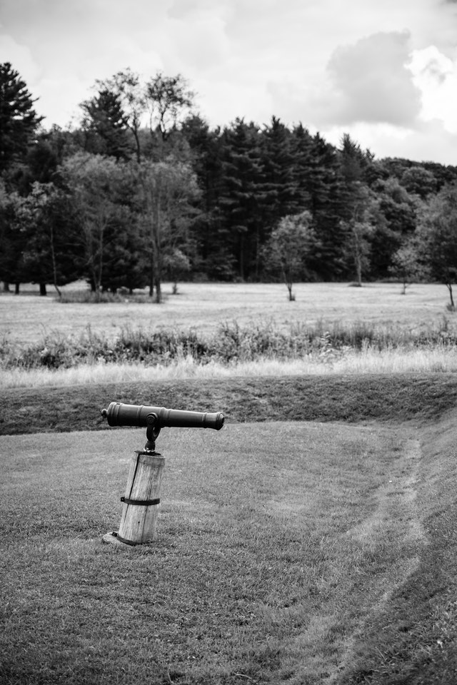 A swivel gun behind the earthworks at Fort Necessity.