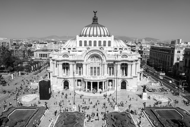Palacio de Bellas Artes, seen from the Sears balcony.