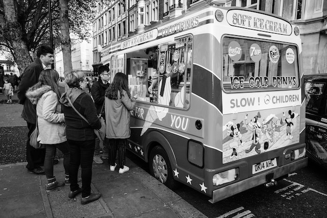 An ice cream truck in front of the British Museum.