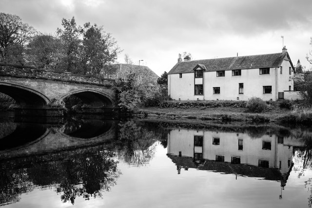 A building on the banks of the river Teith.
