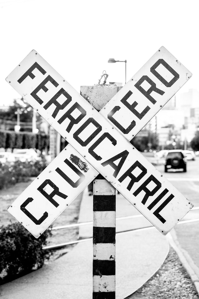 A railroad crossing sign in Mexico City.