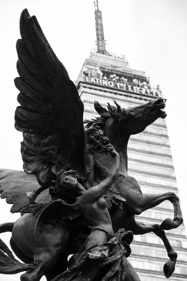 A Pegasus statue in front of the Torre Latinoamericana.
