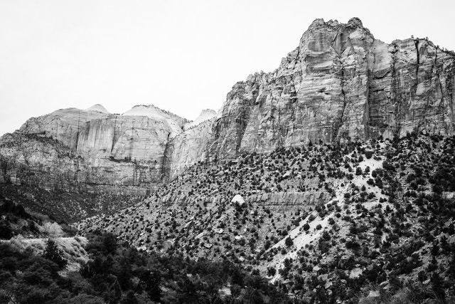 The canyon walls of Hepworth Wash, seen from the Zion-Mount Carmel Highway.